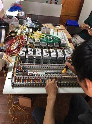 Tìm kiếm đối tác lắp đặt tủ điện