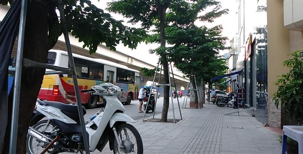 Bán Nhà mặt Phố Phạm Văn Đồng MT 5m giá 13.5tỷ